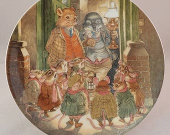 """Wedgwood Wind in the Willows Collectors Plate, """"The Carol Singers"""" Rat, Mole & Mice– by Eric Kincaid"""