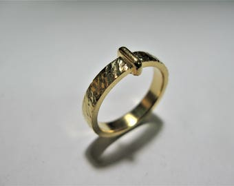 faith ring inspired by outlander claire made of hammered yellow gold KT9
