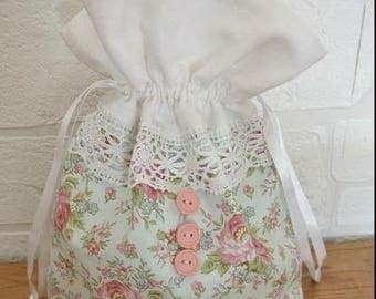 """"" Buttons Roses""white lace pouch"