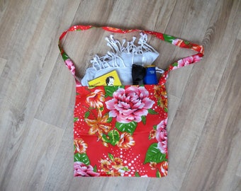 Spring - summer - beach, travel and vacation - shoulder bag red and orange
