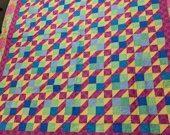Queen-size quilt, handmade quilt, bed quilt