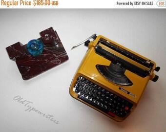 40% SALE Vintage Working Typewriter Brother 440TR. Yellow/Olive Manual Typewriter. Japan Typewriter. Collectible. Made in 1970s.