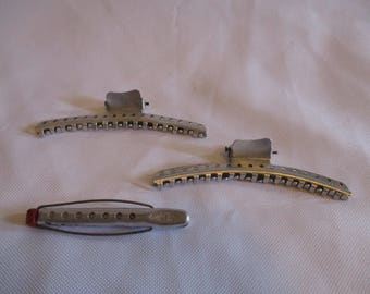 3 vintage metal hair styling products- 1 Tip Top curler, 2 clips