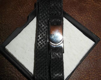 Bracelet leather.Closure metal (nickel) with magnet. Leather perforated-black.