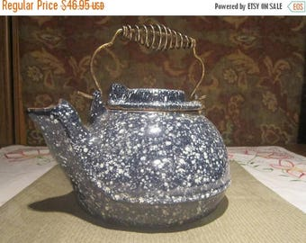 Blue White Speckled Cast Iron Kettle Circa 1900 - 1920's Vintage Shabby Chic Enamel Cookware Fireplace Wood Stove Home Kitchen Decor- CT0221