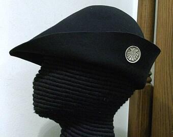 Pilgrim Shell Badge on Felt Hat - Gothic Bell - Renaissance Bucket - SCA - 15th century