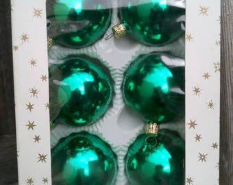 Made in Czechoslovakia, Set of 6 Green Glass Christmas Tree Ornaments, Baubles, Balls,  Decorations in Original box