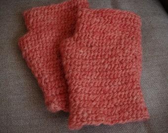 Nalbinding mittens for viking reenactment - pure wool naturally dyed (orange)