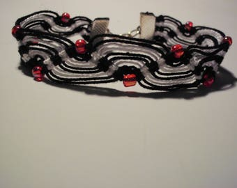 Zigzag black and white cotton macrame bracelet, red 4 mm seed beads