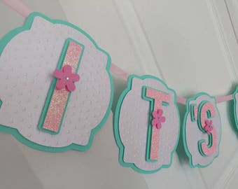 It's a girl baby shower banner. Mint and light pink baby shower banner. Baby shower decoration.