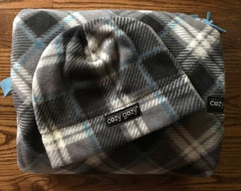 Car Seat Ponchos- Plaid Cozy Gozy Travel Capes are warm winter kid fleece car seat blanket capes that are safe for car seats.