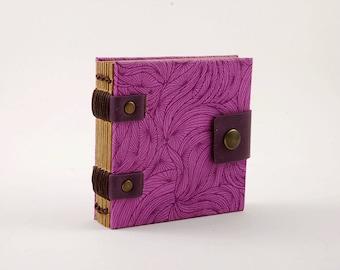 Petit carnet de sac à mains, journal, carnet de wishlist, carnet mauve fermeture pression, grimoire,papier kraft, petit carnet de notes