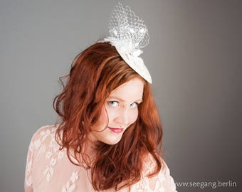 Lovebirds, Bridal Fascinator, Wedding,  Doves, Offwhite, creme, gold, weddingring, vintage Stil, velvet leaves, Veiling, Birdcage, romantic