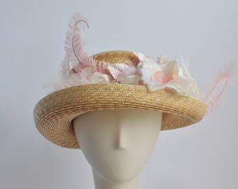 806- Cloche Straw Sun Hat // With Pink Flowers