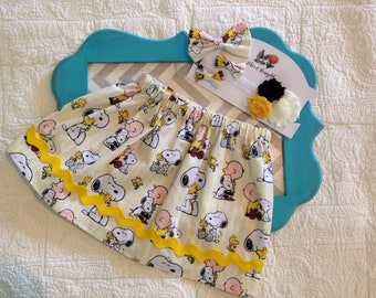 Charlie Brown skirt, Snoopy skirt, girls skirt, yellow skirt, rick rack skirt, Peanuts skirt, Birthday Party Outfit, charlie brown bow