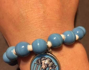 Carolina Tar Heels beaded bracelet with charm
