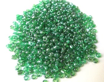 10gr green seed beads, shiny glass 2mm (about 800 beads)