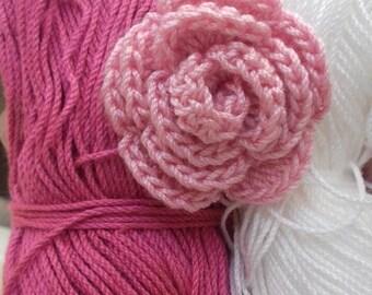 Flores para aplicaciones en rosa, fucsia y blanco roto.