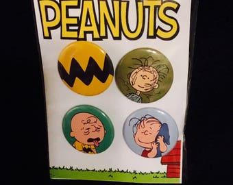 Peanuts gang buttons