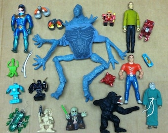 Vintage to Modern 19pc Mixed Alien Action Figure Lot Star Wars Star Trek People Accessories & More!
