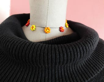 Floating flowers choker