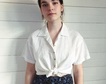 Pretty linen cropped blouse - ladies vintage linen cotton summer button up shirt - simple off white short sleeved crop top brown buttons