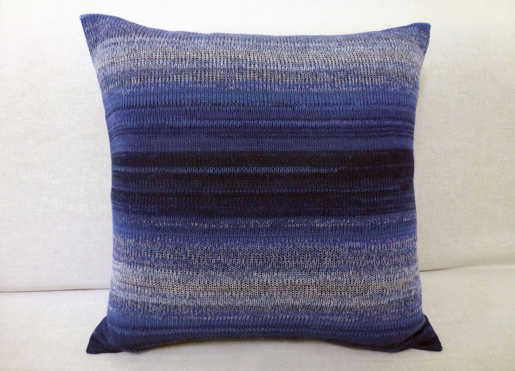 Housse de coussin d corative en tricot effet rayures bleues - Housse de coussin en tricot ...