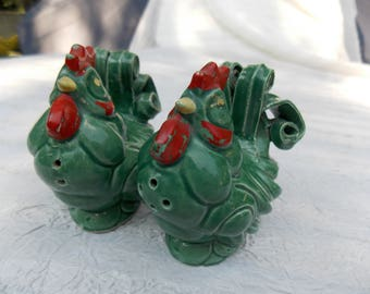 Clever Vintage Mid-Century Modern Rooster and Chicken Salt and Pepper Shakers