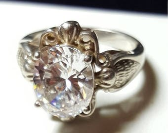 ON SALE : Clear stone Ring. 925 Sterling silver size 7