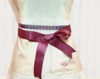 Vintage Women's full apron hand embroidered cream blue rose flowers vintage linens trim