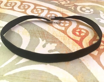Black Velvet Choker, Back to School Sale, Trendy Fall Jewelry, 90's Jewelry, Adjustable choker, velvet necklace, chokers are back