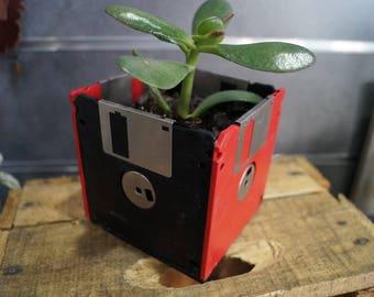 black and Red floppy flower pot