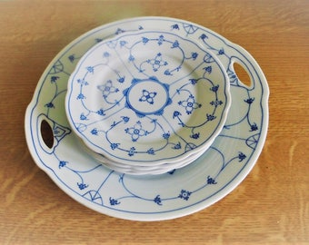 Saks-Sax-Sakse serving dish with ears and with 4 dessert plates.