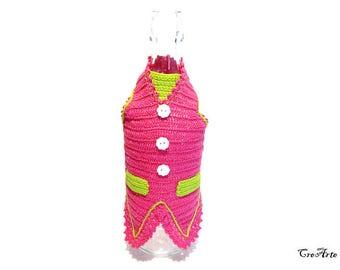 Hot Pink crochet gilet for wine bottle, gilet fucsia per rivestire una bottiglia di vino all'uncinetto