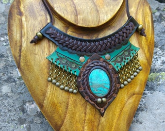 ETHNIC LEATHER NECKLACE