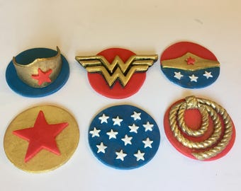 Wonder Woman inspired Cake toppers