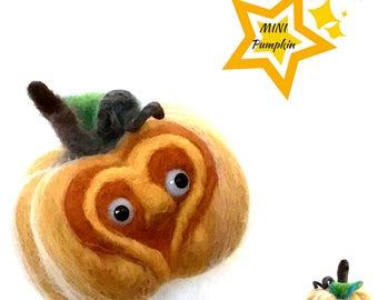 Mini Felted Pumpkin,Felted Pumpkin Face,Double Sided Pumpkin,3D Sculpture, Autumn Harvest Decor,Table Decor, Needle Felted Ornament