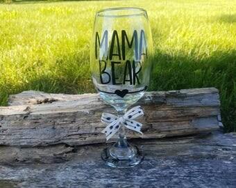 Mama Bear arrow wine glass, Mama Bear oversized wine glass, Mamma wine glass, Mom arrow wine glass, Mom gift,  Mama Bear gift