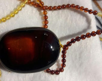 Mexican red amber pendent with amber beads