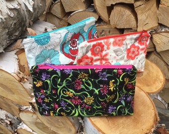 Large Zippered Bag - makeup bag, accessory pouch, toiletry bag, catch all  bag for chargers and cords, travel bag, Canadian handmade