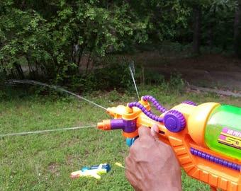 Vintage  Super Soaker XP 85 Triple Shot Toy Squirt Gun 90s beach summer Green Yellow