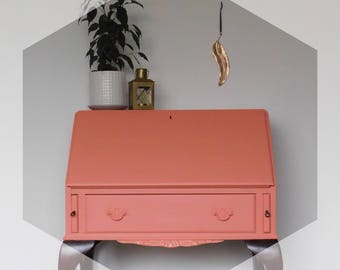 Stunning coral Bureau / dressing table with key.