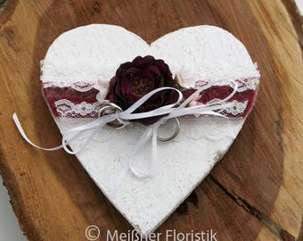 "Ring pillow wood heart ""white Berry bordauxe"""