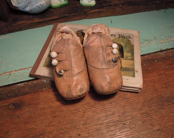 Antique Victorian Baby Shoes /  Leather Button-Up Shoes / Vintage Leather Shabby Baby Shoes