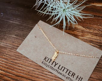 Lightning bolt necklace, Lighting necklace, Gold necklace, Dainty necklace, Layering necklace, Dainty gold necklace, Charm necklace