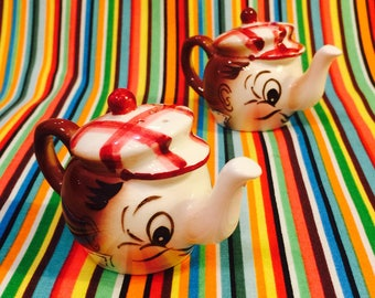 PY Anthropomorphic Teapots with Plaid Hats Salt and Pepper Shakers made in Japan circa 1950s
