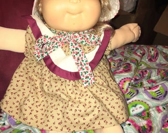 1989 Cabbage Patch Kid Hard to Find Synthetic Blond hair/blue eyes