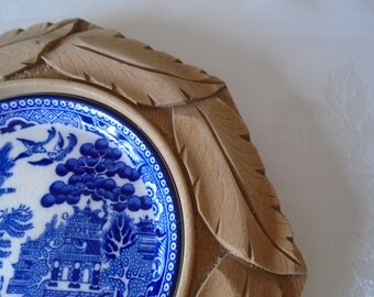 willow pattern plate in carved mount