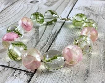 Resin jewelry-real flower bracelet-beaded bracelet-terrarium jewelry-summer jewelry-real moss jewelry-pink jewelry