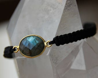 Bracelet oval labradorite connector nylon thread
